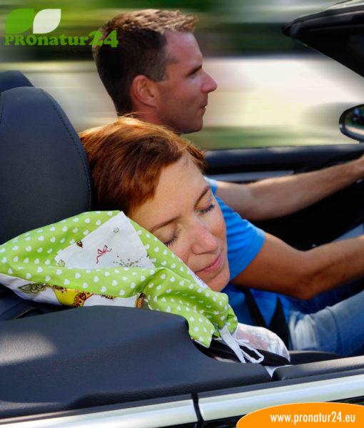 Schlafen im Auto ist nicht jedem möglich. Mit TraWuKu könnte es funktionieren!